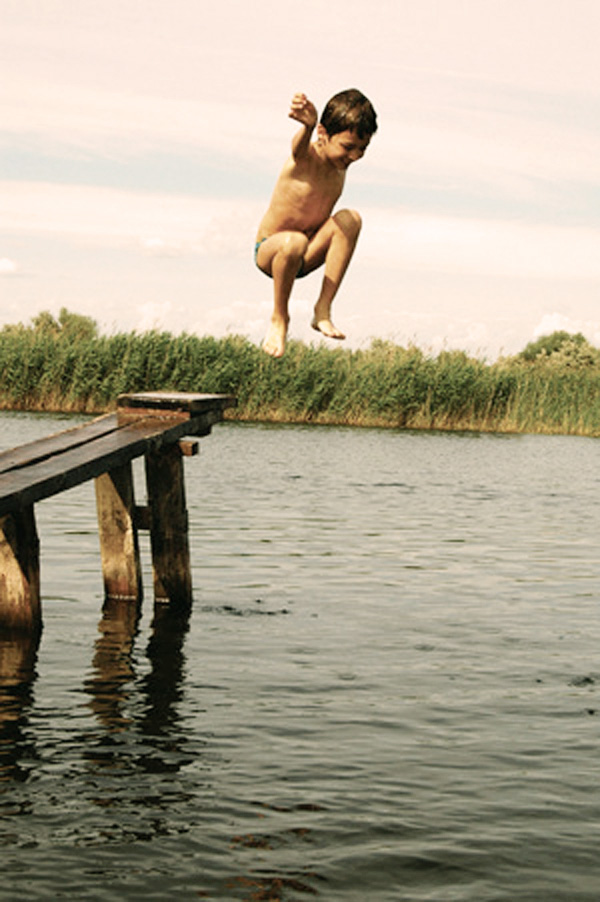 1a_rick_smith_kid_jumping_off_dock